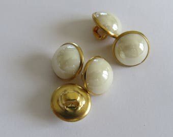 Small domed round button gold and white