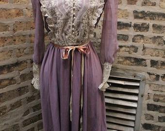 Vintage Lace Dress / Lavender/ Size 5/6