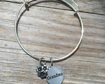Grandma Flower bracelet, Grandma Bracelet, Bracelet, Adjustable Bracelet, Stacking bracelet, Gifts for her, Grandmother Bracelet