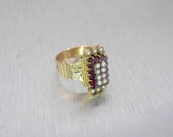 Antique Garnet Pearl Ring. Victorian 10K Rose Gold Garnet Seed Pearl Ring. Alternative Engagement Ring. January Birthstone Jewelry.