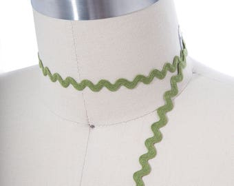 """3 Yards Olive Green Ric Rac Trim/ 1/4"""" / Cotton/ 6mm/ 0.25""""  Easy Decorative Trim for Everything From Wearables to Home Decor"""