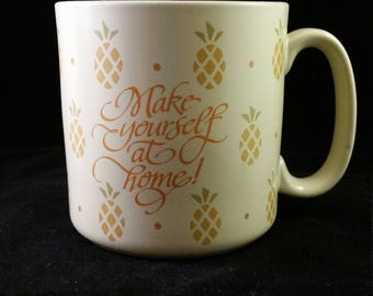 Pineapple Designer Collection Stoneware Mug