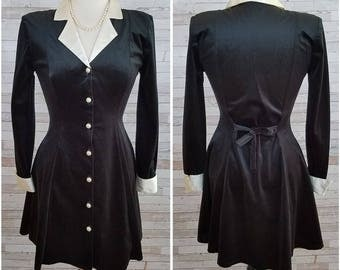 Short black velvety dress with white satiny collar and cuffs - Medium/Large