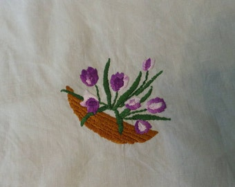 Vintage Lined - Hand Embroidered Vintage Lined