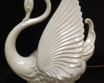 White Swan TV Lamp and Planter By Maddux Company of California #282  (1350)
