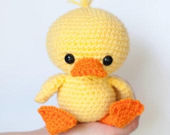 PATTERN: Dilly the Duck - Crochet duck pattern - amigurumi duckling - crochet duck pattern - crocheted duck softie - PDF crochet pattern