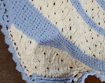 Hand Knit Baby Blanket in Blue, Baby Boy, Chunky Knit, Soft, Baby Afghan, Gender Neutral, Crib Size, Shower Gift