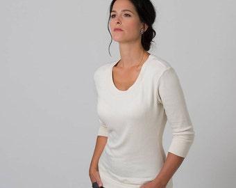 Scoop Neck Sweater (White)
