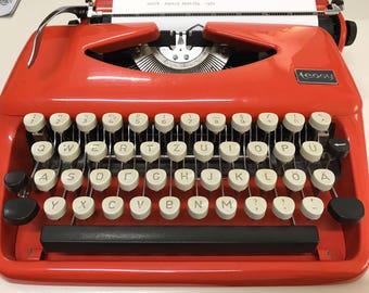 Triumph-Adler Tessy - 1972 - Vintage portable german typewriter