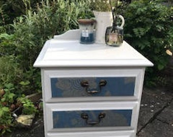 Stunning Annie Sloan Style Decoupage Drawers