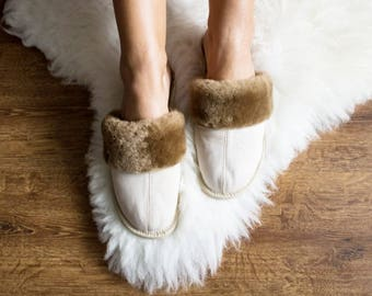 SHEEPSKIN slippers Fur winter boots Warm moccasins for women Warm slippers Leather slippersFur boots Shearling slippers white Christmas gift