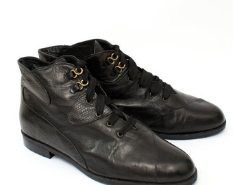 EU 40.5 - Black vintage 80s shoes - patterned leather - womens size UK 6,5 / 7 - USA 9 / 9.5 - 1980s ankle boots for women - lace up boots
