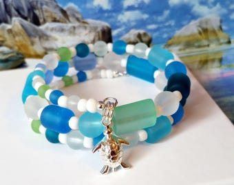 Sea turtle seaglass beads memory wire charm bracelet, beach boho bracelet
