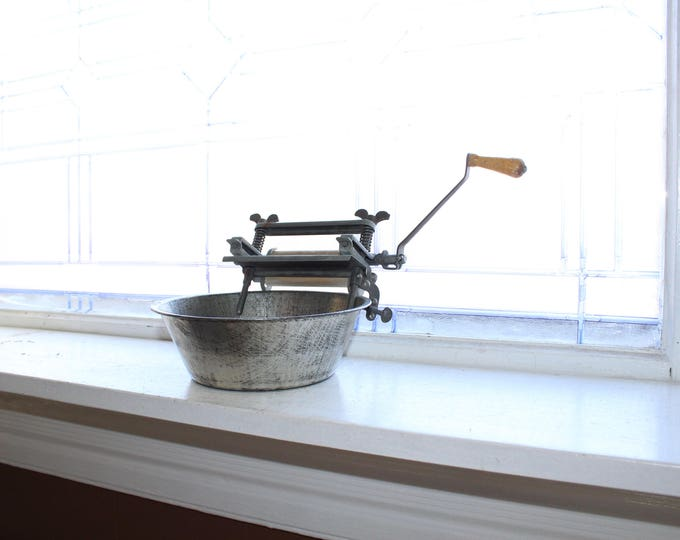Vintage Toy Wringer and Wash Tub For Laundry 1930s
