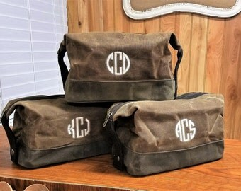 Set of 4 Mens Toiletry Bag Personalized Waxed Canvas Toiletry Case Dopp Kit Groomsmen Gifts Monogram Monogrammed