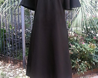 Mam'selle vintage little black dress, short batwing sleeves 2 side pockets, knee length, fun retro dress, zips in back, polyester 60's 70's