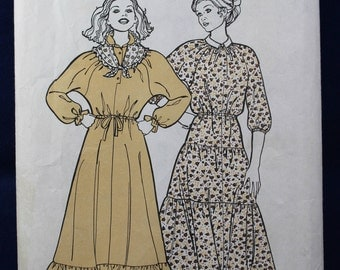 Sewing Pattern for a Woman's Dress in Sizes 10-16 - News of the World 136