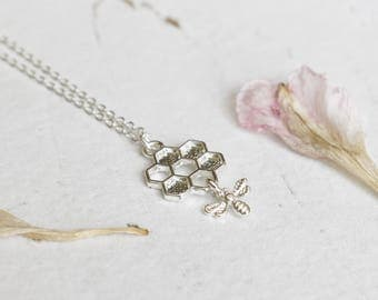 Silver Honey Bee Necklace, Honey Comb Necklace, Silver Charm Necklace, Bee Jewellery, Insect Jewelry, Drop Necklace, Nature Gift, Gift Women