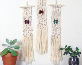 Macrame Wall Hanging White, Small Wall Hanging, Boho Wall Art, Hippie Gifts, Office Gift Exchange, Macrame Decoration