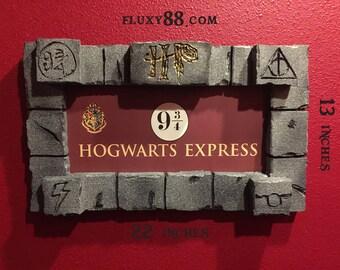 Harry Potter Hogwarts Express 9 3/4 SIGN Faux Stone Frame