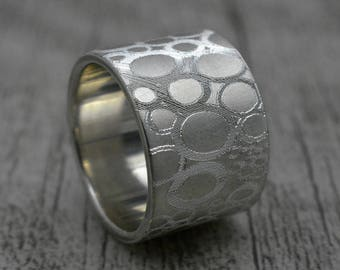 Band with engraving, Silver ring