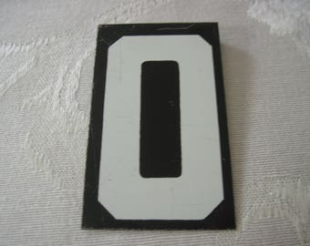 Vintage Sign Board Letter O 2 1/2 Inches By 1 1/2 Inches