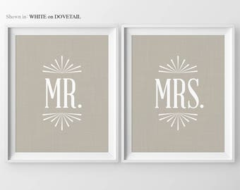 Wedding Gift Mr & Mrs Wedding Signs Personalized Gifts For Couple Bridal Shower Gifts Bedroom Wall Decor Home Decor Anniversary Gifts