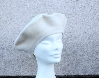 Vintage White Wool French Beret #1692