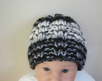 Chunky hat black white kids hat size 2 till 5 yrs comfortable hat knit in round no seams hand knit boy girl toddler hat winter accessory