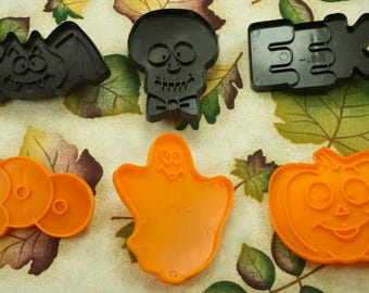 1993 Collectable Wilton 6 Pc. Kids Halloween Orange And Black Plastic Cookie Cutters