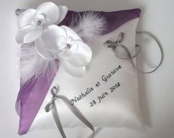 Personalized ring bearer pillow, wedding pillow, blanc(ou ivoire) and purple