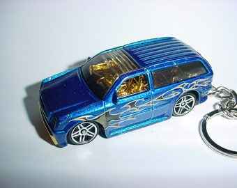 3D SUV custom keychain by Brian Thornton keyring key chain finished in blue/flames color trim