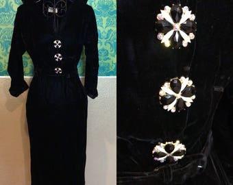 Vintage 1940s Dress - Black Velvet Vampira Dress w Art Deco Rhinestone Buttons - XS