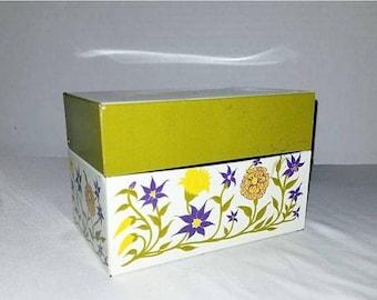 Vintage Tin Recipe Box,Metal Recipe Box,Recipe Box, Retro Chic,Vintage Recipe Box,Retro Kitchen,KITSCH,MCM, Mid Century Kitchen,1950s