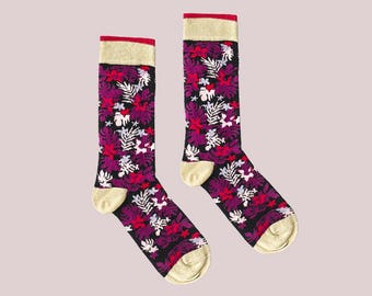 Hawaii Night Socks with Glowing Purple Hot Pink Floral Pattern for Men and Women