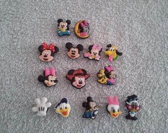 Lot 14 jibbitz Mickey, Minnie... (for fangs badges)