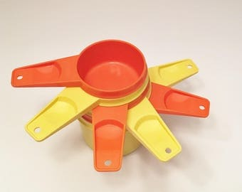 Orange and Yellow Tupperware Plastic Stacking Measuring Cups Set of Six
