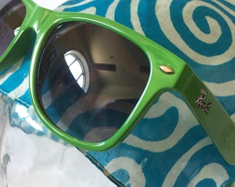 green/wayfarer/rayban/sunglasses/made in Italy