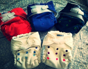 Washable ecologic reusable one size cloth fitted diaper, with velcro and resize snap buttons