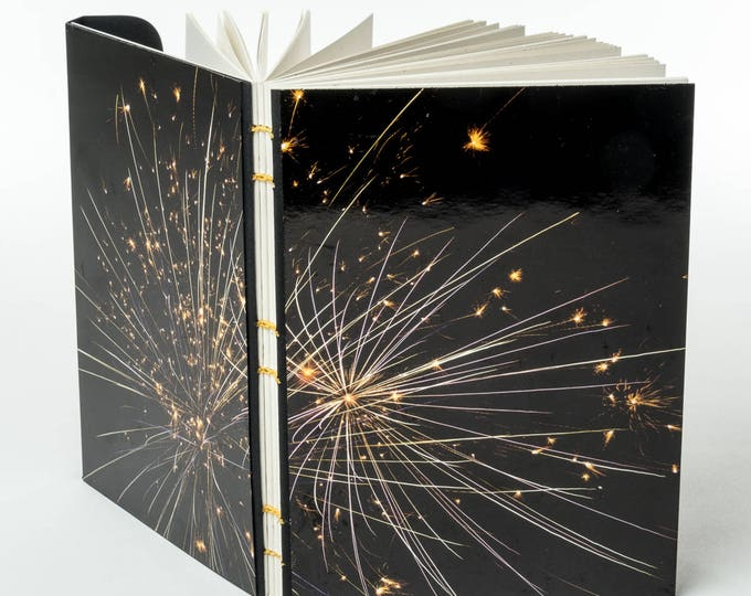 "FIREWORKS | 144 ~5.5x4"" blank pages w/ clasp closure 