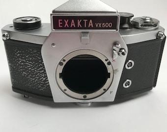 Parts Camera EXAKTA  VX 500  Ihagee made in Dresden  Sluggish shutter mirror locked up good prism  winder mechanicals curtain seems ok
