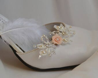 Shoe clips with pearls and Swarovski crystals - shoe clip, wedding jewelry