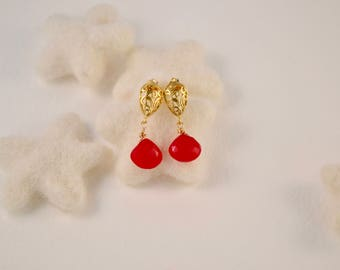 Pink chalcedony drop and gold earrings