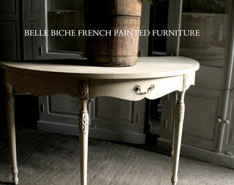 SOLD *****  Outstanding Spacious Demi Lune Gustavian Style Hunt / Console / Hall Table