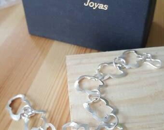 Bracelet links of kittens in sterling silver