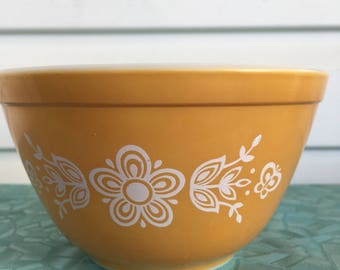 Vintage pyrex bowl butterfly gold mixing bowl 401
