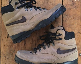 Nike Air Hiking Boots Shoes Mid 1990's size 9