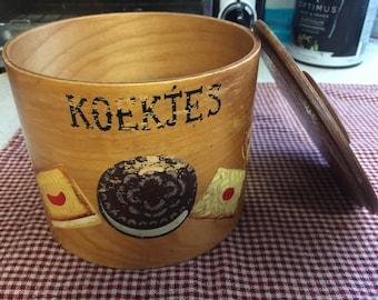 KOEKJES Dutch Wooden Cookie Keeper Bin