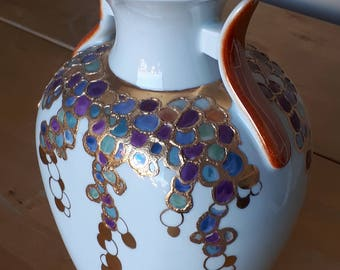 "Hand painted ceramic vase, Made in Italy, ""Grappoli""."