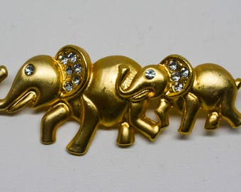 Lovely gold tone elephant pin